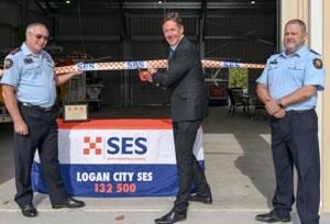 Logan SES Controller Jim Ferguson, Logan Mayor Darren Power and Logan West Group Leader Tony Cooper cut the ribbon